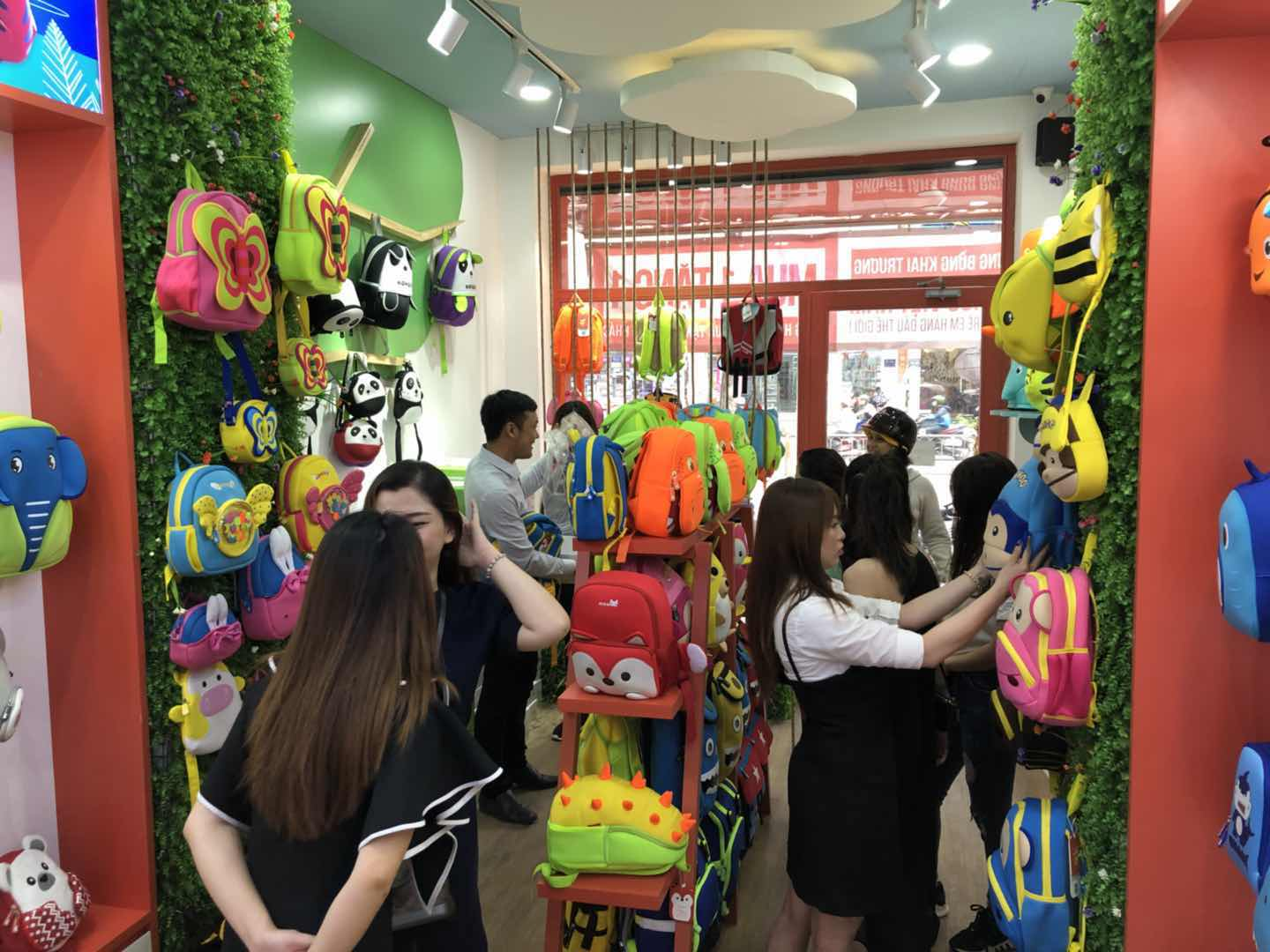 Nohoo Children Products-Vietnams first unique NOHOO backpack franchise store opened-4